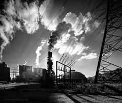 Moorburg VI (Kai-Uwe Klauss) Tags: hamburgtag industrie industriearchitektur kohlekraftwerk kraftwerk moorburg hamburg industry energiewirtschaft schwarzweis architektur architecture gegenlicht sonne sonnenaufgang steam dampf clouds wolken umwelt