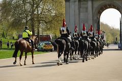 The Queen's 2018 Birthday gun salute - 04 (D.Ski) Tags: 2018 queens queen birthday gun salute royal park horse horses april westminster london nikon 2470mm 200500mm thekingstrooprha thekingstroop parade thequeen wellingtonarch hyde cornerhyde parkd700nikon d700