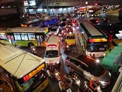 #Taipei#台北#traffic#塞車#台北火車站#忠孝西路 (JYYC's photo) Tags: 塞車 忠孝西路 台北 台北火車站 taipei traffic
