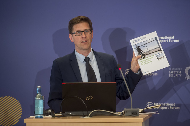 Philippe Crist presents the new CPB Report on Air Connectivity