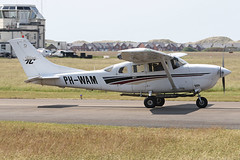 PH-WAM (QSY on-route) Tags: phwam fish and chips fly in blackpool blk egnh 27052018