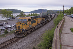 K64909 in Newburgh - 5/11/2018 (John McCloskey Jr.) Tags: trains outdoors transportation ge cnw ns up csx ethanol oil hudson river new york