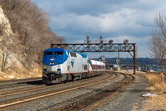 Good Friday Catch (shawn_christie1970) Tags: saintpaul minnesota unitedstates us amtrak ge p42dc special passengerextra talgo hoffman px923 stormlight signals amtk161