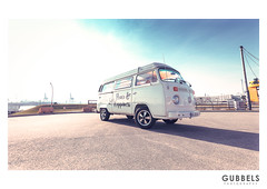 01666_PM_Bulli (Gubbels Photography) Tags: paul michell vw t2 1974 hamburg harbour alster germany auto car bulli canon 5dmkiv look outdoor sun city indian summer gubbels photography gubbelsphotography fullframe easy life hair style product girl fashion cgp 1735 28 mkiii wwwgubbelsphotographyde love peace happiness