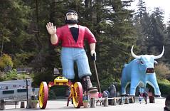 Paul and Babe (D70) Tags: paul bunyan babe blue ox names pair large statues american folk hero his nikon d750 28300mm f3556 ƒ48 617mm 1160 100 klamath california 95548 usa 15500 highway101