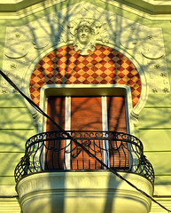 belgrade architecture (poludziber1) Tags: street streetphotography serbia srbija city colorful cityscape color capital building belgrado beograd belgrade architecture green red urban travel window