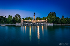 El estanque de El Retiro (por Sergio Núñez) Tags: anochecer retiro madrid parque city nikon tokina 1120