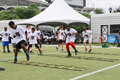 "2018-tdddf-football-camp (175) • <a style=""font-size:0.8em;"" href=""http://www.flickr.com/photos/158886553@N02/27553572937/"" target=""_blank"">View on Flickr</a>"