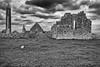 Kloster (efgepe) Tags: 2018 irland mai pentaxk5 kloster abbey bw sw schwarzweiss schwarzundweiss blackwhite silverefexpro nik lightroom ruins ruinen kilmacduagh monastery