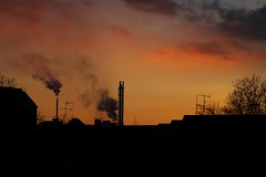 Skyline (d6v1d) Tags: skyline sunset dramatic sky dramaticsky stadtwerke duisburg duisburgo parque park industriekultur ruhr ruhrgebiet deutschland germany alemania angerhaus nrw
