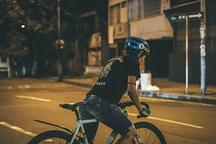 _MG_4551 (catuo) Tags: cycling cyclingteam people portrait sportphotography sport streetphotography street race racing bike trackbike bicicleta colombia carrera ciclismo canon noche alleycat