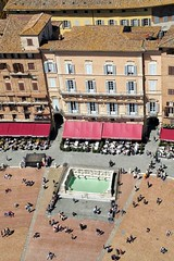 joyous (uffagiainuso) Tags: tinypeoples siena italytrip italy piazzadelcampo piazza plaza place square fontane fountain builtfeatures building landscapearchitecture architettura architecture palazzi palio ontheroofs roofs overthetop pointofview cityview cityexplorer italiancity city village explorer explorers explore citybreak break sunnyday sunny cityscape urbanlife urbanscape urbanistica urban urbanphoto streetphotography streetscape streetphoto streetlife streetpic streetview streetexplorers facades windows photooftheday beautifulview topview