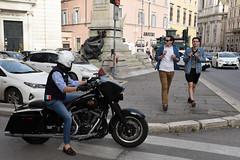 An American Gladiator in Rome (Eddie C3) Tags: romeitaly centrostorico harleydavidson streetscenes