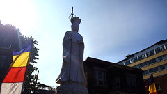 Pagode Dia Tang (Chùa Địa Tạng) (Fred:) Tags: pagode dia tang montréal quartier saintmichel stmichel montreal chùađịatạng buddhism vietnam vietnamese buddhist temple bouddhisme religion faith bouddhiste chùa địa tạng jarry été summer statue monument statues monuments contrejour pagoda worship