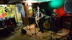 DSC_0036 (richardclarkephotos) Tags: tim bish joey luca © richard clarke photos derellas three horseshoes bradford avon wiltshire uk lone sharks guitar bass drums guitarist drummer bassist band bands live music punk