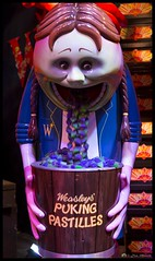 Puking Pastilles (Mr Mo-Fo) Tags: pukingpastilles weasley harrypotter bucket girl sweets film movie vomit canoneos1dx desmorris