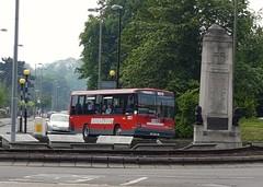 Roundabout G29TGW (DT29) (Invictaway) Tags: orpington g29 tgw dennisdart dennis dart dt dt29 selkent londonbuses london buses bus roundabout 29 carlyle r12