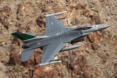 VERMONT VIPER (Dafydd RJ Phillips) Tags: f16 fighting falcon vermont afb air force base usaf united states green death valley star wars canyon jedi transition low level