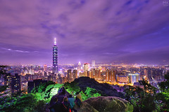 台北101 夜的第七章 (M.K. Design) Tags: taiwan taipei101 night longexposure lights nature landscape cityscape ultrawide nikon d800e afs1424mm28g scenery hdr travel life photography city 台灣 台北 101 夜景 長曝 尼康 自然 風景 超廣角 城市 燈 旅行 生活 登山步道 象山