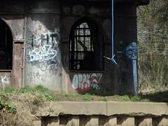 Swing Bridge (Glass Horse 2017) Tags: nyorks riverouse naburn york bridge rope swing activity art graffiti arches decorated barbedwire