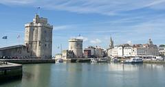 port de La Rochelle (cfdtfep) Tags: larochelle rochelle port charente maritime océan atlantique tourisme ville bateau tour patrimoine vieux voyage france français cote touristique ocan franais