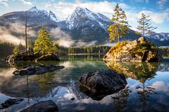 Ostermorgen (Chris Buhr) Tags: hintersee bayern bavaria lake nature natur landschaft landscape wasser clouds wolken water nebel fog frühling leica berchtesgaden ramsau outdoor