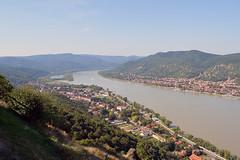 Visegrád (Magyarország) - Duna (Danube) - 2 (Björn_Roose) Tags: björnroose bjornroose visegrád magyarország ungarn hungary hongarije hongrie castle kasteel duna danube donau forest bos