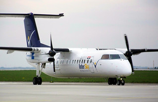 Intersky DHC-8-300 OE-LIC at SZG/LOWS