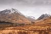 Glen Coe Vista (ho_hokus) Tags: 2018 escocia glencoe nikond80 schottland scotland scozia tamron18270mmlens unitedkingdom house écosse glen mountains snow view landscape scenery moor peak a82