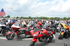 "Rolling Thunder, Pentagon, 05/27/2018 (EDWW day_dae (esteemedhelga)™) Tags: ""rollingthunderride"" rideofthepatriots may272018 motorcyclists ""fromacrossnation"" ""washingtondc"" honor ""memorialday"" ""31stannualrollingthunderrideforfreedom"" ""memorialdayweekend"" bikers salute militaryveterans ""rememberthosewhodidnotcomehome"" prisoners ride motorcycles ""harleydavidson"" hogs veterans ""americanflags"" ""powmiaflag"" ""ridesofthepatriots"" ""nationalcapitalregion"" pentagon service soldiers sailors airmen marines coast guardsmen""firefighters""rescue personnel""""law enforcement officers esteemedhelga daydae edww coastguardsmen"" firefighters ""rescuepersonnel"" ""lawenforcementofficers"