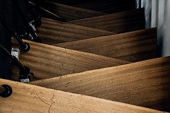 The death of me (Melissa Maples) Tags: münchen munich deutschland germany europe nikon d3300 ニコン 尼康 nikkor afs 18200mm f3556g 18200mmf3556g vr winter msomunich staircase steps stairs