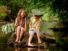it doesnt matter (agirygula) Tags: laughing fun happy happyness joy water nature bestfriends girls children memories childhoodmemories loudlaughing pink colours canon
