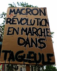 macron, la révolution en marche dans ta gueule (Doubichlou14) Tags: manifestation paris france 22 05 2018 mai may insurrection macron anticapitaliste antifasciste etudiant loi ore parcourssup selection lyceens jeunes banlieue quartier santé soignants hopital public service humain soin cheminots sncf pacte ferroviaire privatisation poste licenciement postier chomeurs retraites art protest slogan worldwide photojournalisme signs langle critique world breaking news political democracy social change democracia real ya demonstration greve generale