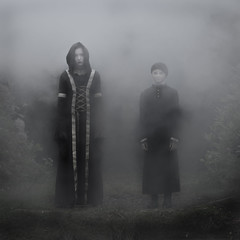 Victorian Ghosts (Duncan Lawler) Tags: rosiehayto talula ghost black blackdress models youngmodels smoke leighparkgardens