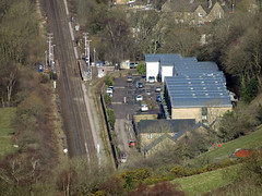 Hathersage Station from Surprise View, March 2018 (Dave_Johnson) Tags: surpriseview surprise view peakdistrict nationalpark peaks hills derbyshire hathersage hathersagestation station railwaystation railway rail longshaw longshawestate hopevalley