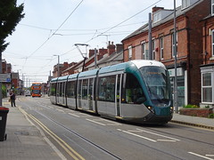 Nottingham 236 Beeston (Guy Arab UF) Tags: nottingham express transit 236 alstom citadis 302 five section articulated tram chilwell road beeston trams tramway