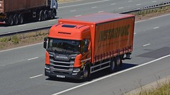 BU18 FYW (panmanstan) Tags: scania ng g280 wagon truck lorry commercial rigid curtainsider freight transport haulage vehicle a1m motorway fairburn yorkshire