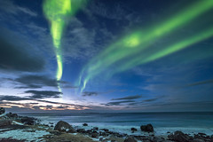 Northern Lights at Utakleiv Beach (Stefan Giese) Tags: nikon d750 uttakleiv autoraborealis northernlight polarlich nordlicht norwegen norway lofoten walimex walimex14mmf28 14mm