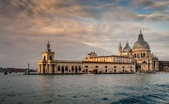Santa Maria della Salute (andreasmally) Tags: santa maria della salute venedig venezia venice morning sunrise buildings church kirche morgens gebäude italien wasser water sky