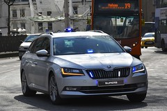 Unmarked Driver Training (S11 AUN) Tags: avon and somerset police asp skoda superb estate driver training driving school pursuittraining response panda car irv incident vehicle 999 emergency