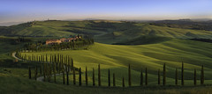 Hilltop Paradise (Lee Sie) Tags: tuscany villa italy europe rolling hills travel vacation agriturismo