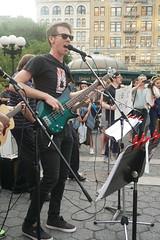 DSC03791 (NYC Guitar School) Tags: mass appeal nycgs nyc make music new york city guitar school summer solstice 2018 performance live show union square 62118 play sing together plasticarmygirl samoajodha samoa jodha