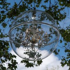 Bella Bolla (albi_tai) Tags: 2018 lucerna svizzera luzern bolla palla lampadario rami foglie albero cielo nuvole pov dalbasso albitai d750 nikon nikond750