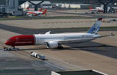 G-CKNZ (ianossy) Tags: gcknz norwegian air uk boeing charleston sc 7879 dreamliner b789 lgw gatwick