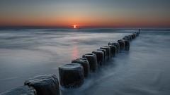 Sonnenaufgang in Bansin (venolab) Tags: colorfulsky seascape beach strand wavebreaker sunrise sonnenaufgang nature landscape inselusedom bansin usedom