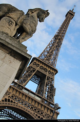 Tour Eiffel, Paris, France (JH_1982) Tags: tour eiffel tower eiffelturm torre 艾菲爾鐵塔 エッフェル塔 에펠 탑 эйфелева башня برج إيفل steel stone engineering famous statue bridge looking up vertical vertigo landmark building historic architecture paris parís parigi 巴黎 パリ 파리 париж باريس france frankreich francia frança 法国 フランス 프랑스 франция فرنسا