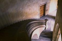 Palacio de Carlos V (Francisco Esteve Herrero) Tags: granada andalucía comunidad de 2018 puerta escalera franciscoesteveherrero nikond5300 sigma1750