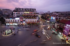 Hanoi (Rolandito.) Tags: south east southeast asia vietnam hanoi traffic dusk twilight