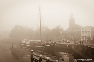 Fog at the historical lock in the old harbour - Hellevoetsluis/NL