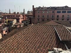 Calle Santa Scolastica (brimidooley) Tags: venice venezia veneto venedig venise italia italy italien europe europa travel tourism rooftops laserenissima citybreak bucketlist sightseeing city